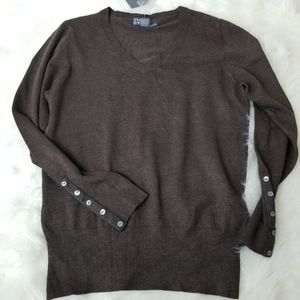NWT CHELSEA & THEODORE Brown V-Neck Sweater L D12
